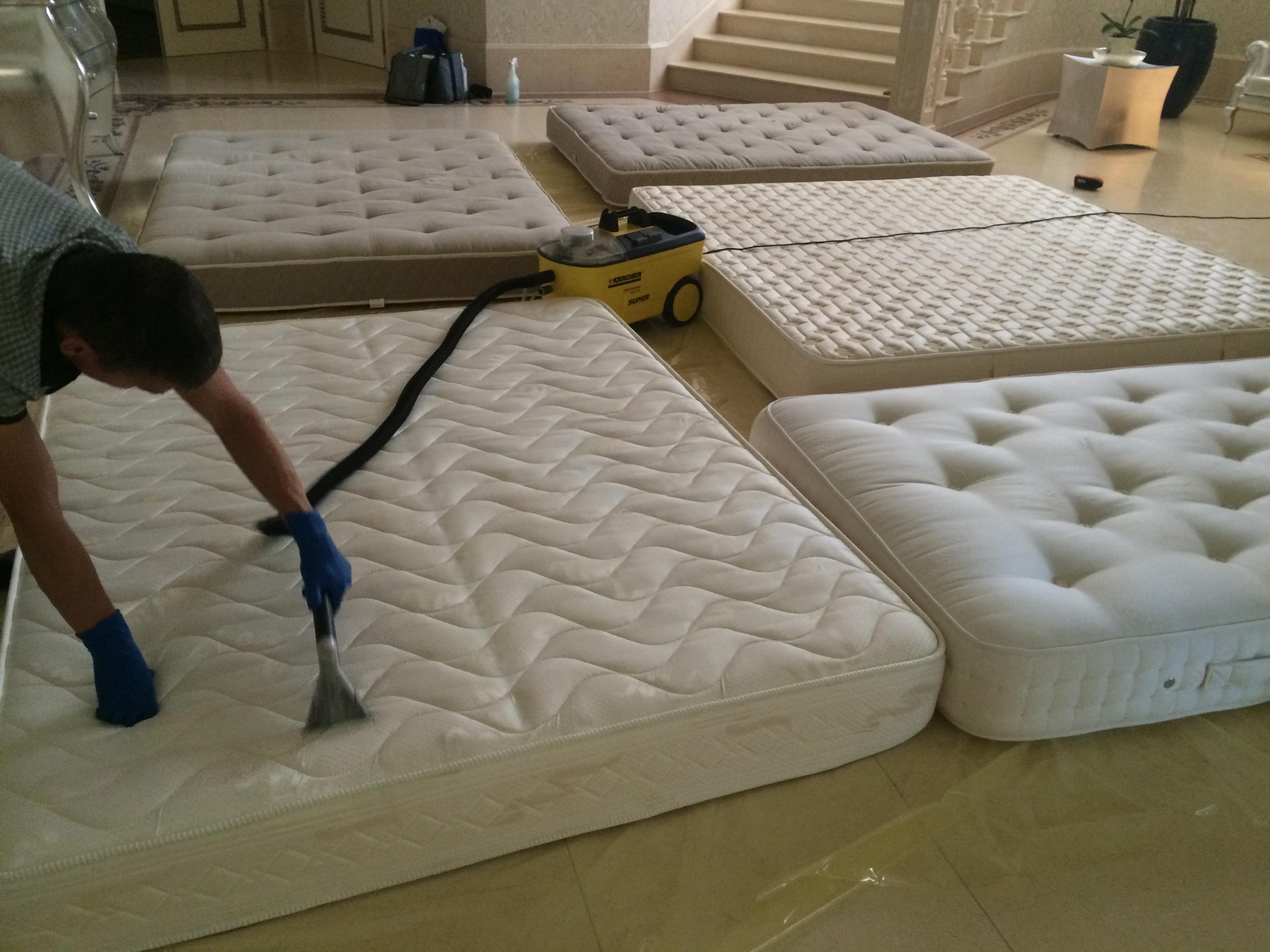 фото: чистим матрасы на дому
